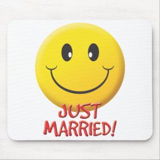 Apenas casado alfombrilla de ratón