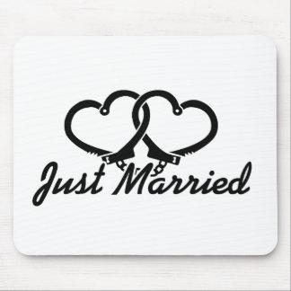 Apenas casado alfombrilla de ratones