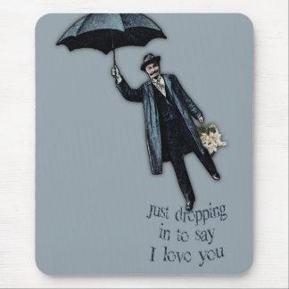 Apenas cayendo en tarjeta del día de San Valentín Mousepads