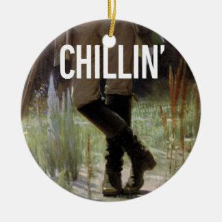 Apenas Chillin en el prado - subtítulo del arte de Adorno Navideño Redondo De Cerámica