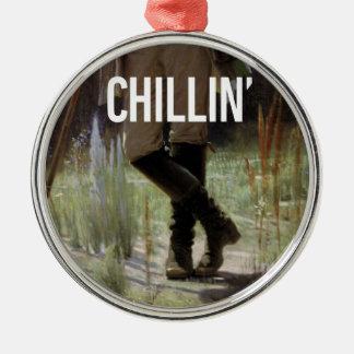 Apenas Chillin en el prado - subtítulo del arte de Adorno Navideño Redondo De Metal