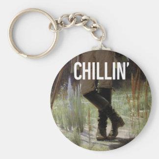 Apenas Chillin en el prado - subtítulo del arte de Llavero Redondo Tipo Pin