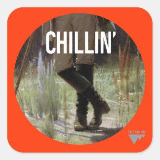 Apenas Chillin en el prado - subtítulo del arte de Pegatina Cuadrada