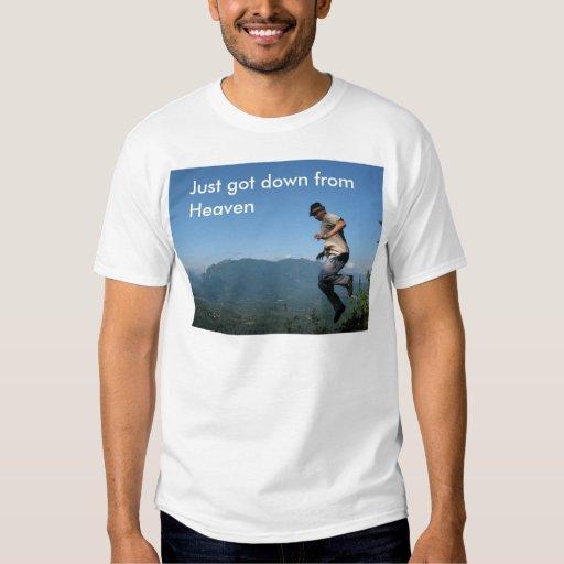 Apenas conseguido abajo de la camiseta del cielo poleras