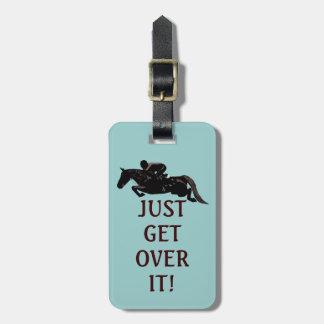 Apenas consiga sobre él el salto del caballo etiquetas para equipaje