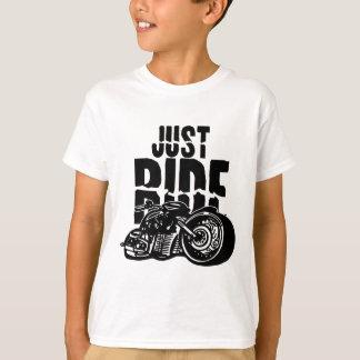 Apenas diseño de la motocicleta del paseo playera