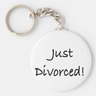 apenas divorced.png llavero personalizado
