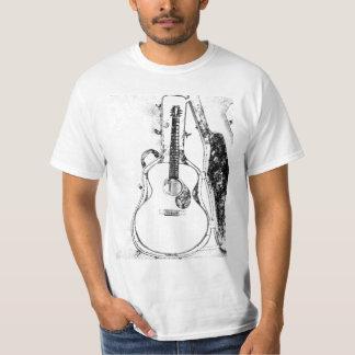 Apenas en camiseta de la guitarra acústica del