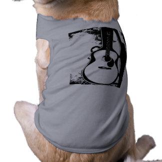 Apenas en camiseta del perro de la guitarra acústi playera sin mangas para perro