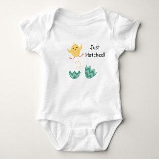 Apenas equipo tramado del polluelo del bebé remeras