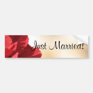 Apenas floral rojo casada pegatina para auto