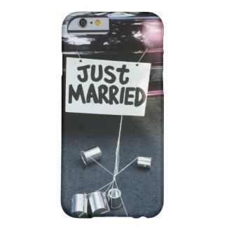 Apenas la muestra casada encendido apoya del coche funda para iPhone 6 barely there