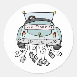 Apenas latas de fricción casadas del coche etiquetas redondas