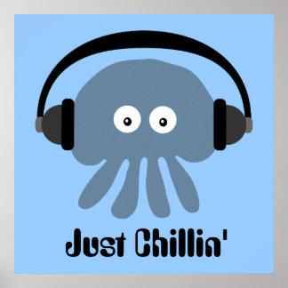 Apenas medusas azules de Chillin con los auricular Impresiones