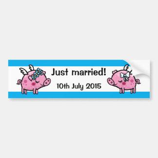 Apenas novia casada del cerdo de la mosca y pegatina para auto