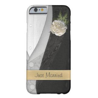 Apenas novio casado divertido funda para iPhone 6 barely there