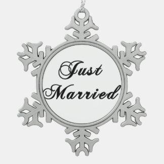 Apenas ornamento casado del navidad del copo de ni adorno de peltre en forma de copo de nieve