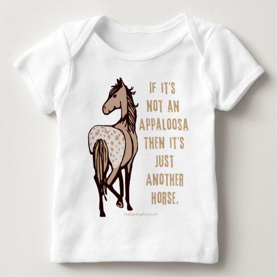 Apenas otro caballo playera de bebé