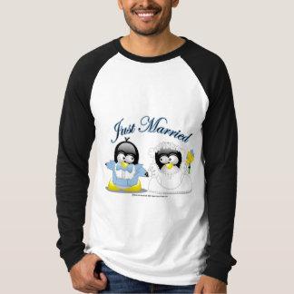 Apenas pingüinos casados camisas