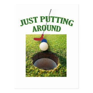 Apenas poniendo alrededor de golf postal
