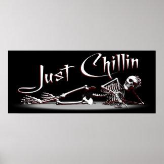 Apenas poster del esqueleto de Chillin