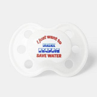Apenas quiero beber el agua de la reserva del ron chupetes de bebe