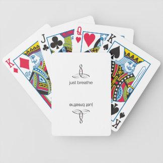 Apenas respire - el estilo regular negro barajas de cartas