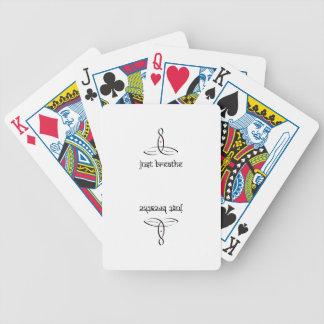 Apenas respire - el estilo sánscrito negro baraja cartas de poker