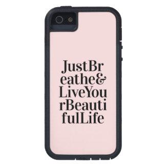 Apenas respire el rosa inspirado de la cita de la iPhone 5 Case-Mate protector