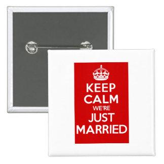 Apenas rojo casado pin cuadrado