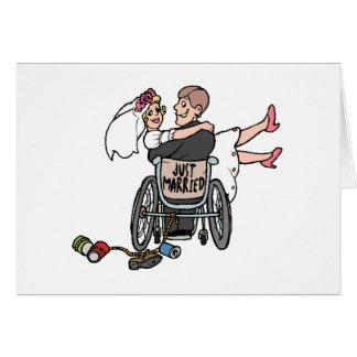 Apenas silla de ruedas casada tarjeta de felicitación