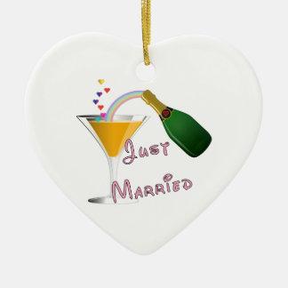 Apenas tostada casada del boda de Champán Adorno De Cerámica En Forma De Corazón