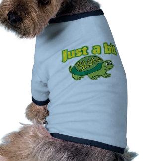 Apenas un pedazo lento camiseta con mangas para perro