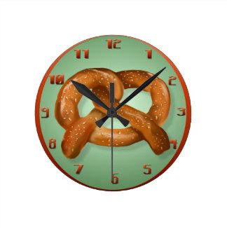 Apenas un pretzel Wallclock Reloj Redondo Mediano