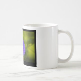 Apenas una flor - flor azul 006 taza de café