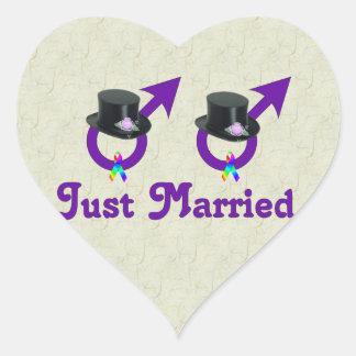 Apenas varón gay formal casado pegatina en forma de corazón
