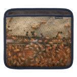 Apiary - Bee's - Sweet success iPad Sleeve