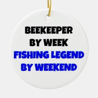 Apicultor por leyenda de la pesca de la semana por adorno navideño redondo de cerámica