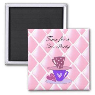 Apilando las tazas de té - fiesta del té imán cuadrado