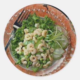 Apio delicioso, ensalada del camarón, bifurcación pegatina redonda