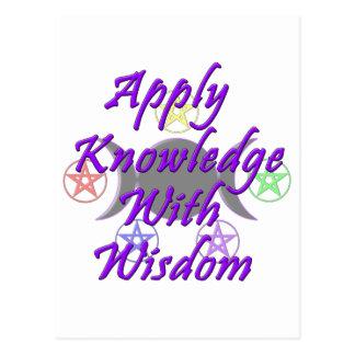 Aplique el conocimiento con la sabiduría tarjeta postal