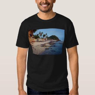 Apo Island beach Tshirt