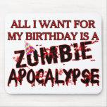 Apocalipsis del zombi del cumpleaños alfombrillas de raton