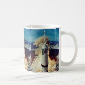 Apolo 11 quita taza
