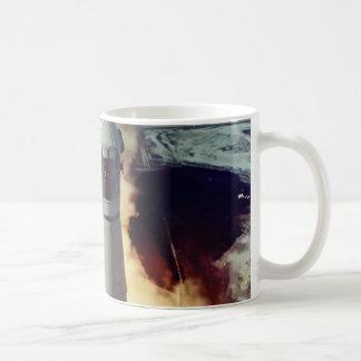 Apolo 11 quita tazas de café