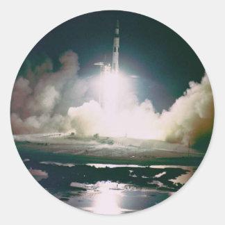 Apolo 17 quita etiqueta redonda