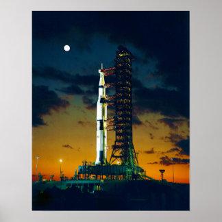 Apolo 4 Saturn V en el cojín un complejo 39 del la Póster