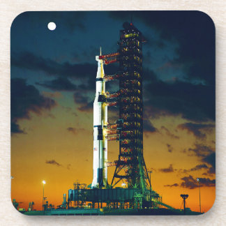 Apolo 4 Saturn V en el cojín un complejo 39 del Posavasos