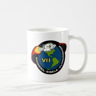 Apolo 7: Schirra, Eisele y Cunningham Taza Básica Blanca