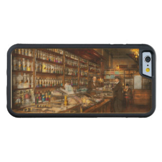 Apothecary - A vist to the chemist 1913 Carved Maple iPhone 6 Bumper Case